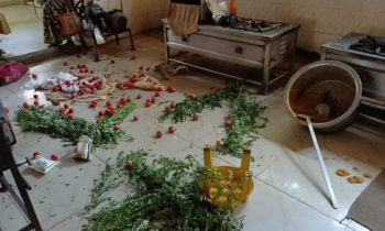 அம்மா உணவகம் மீது திமுகவினர் தாக்குதல் – அதிர்ச்சி வீடியோ இணைப்பு